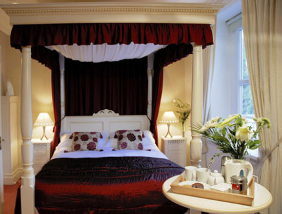 The Bath House Luxury Bed and Breakfast: Four Poster