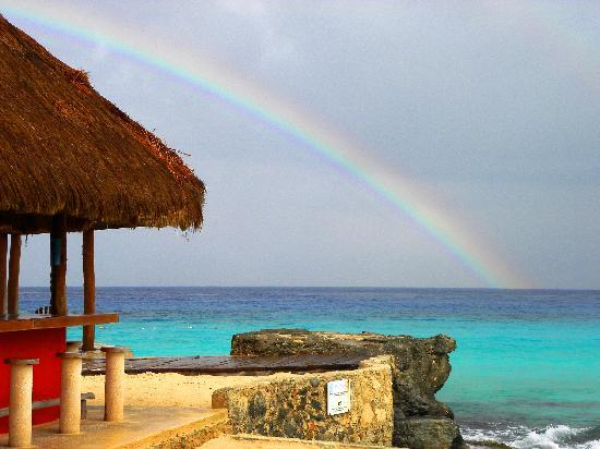 Playa Azul Golf, Scuba, Spa: Even when it rains, we get a rainbow