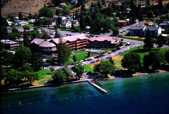 Lakeside Lodge and Suites: Aerial View
