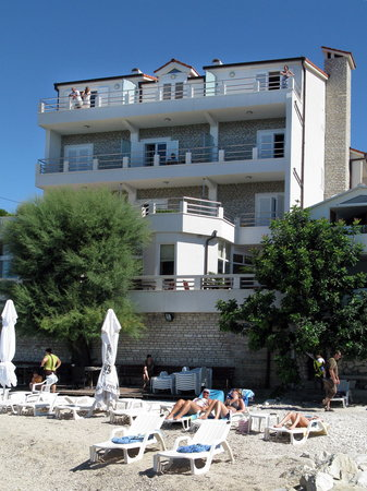 Hotel Sunce: Hotel and beach