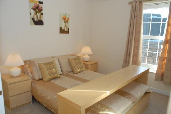 Bedroom Picture Of Edinburgh Pearl Apartments Dalry Gait