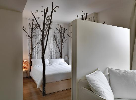 10 hotels with a flair for fashion. Black Bedroom Furniture Sets. Home Design Ideas