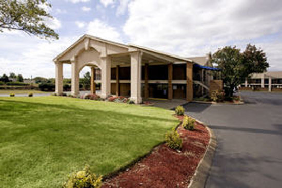 Photo of Americas Best Value Inn & Suites Murfreesboro