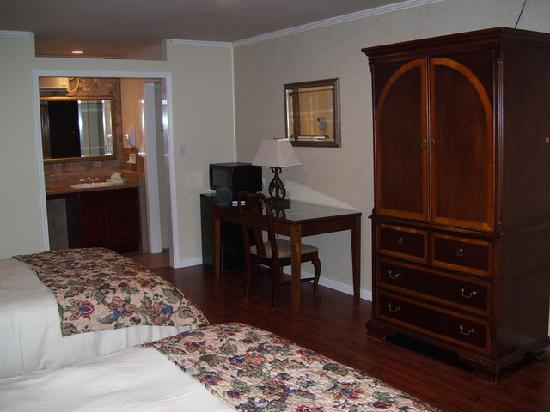 Townsend, TN: Newly renovated room #7 - another view