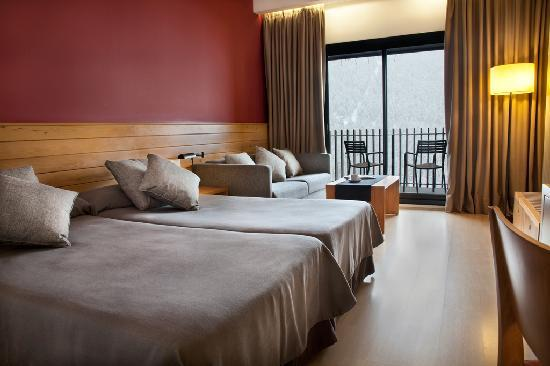 Soldeu, Andorra: Hotel Piolets Park &amp; Spa_Room