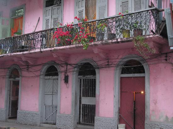 Casa Sucre Boutique Hotel: Streets of Casco Viejo