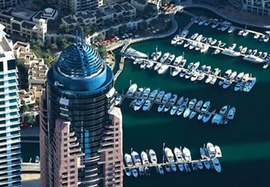 Dubai Marriott Harbour Hotel & Suites: Marriott Harbor Exterior
