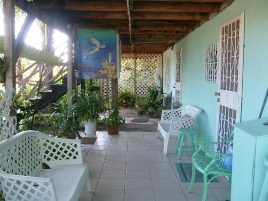 ‪Ally's Guest House Belize‬