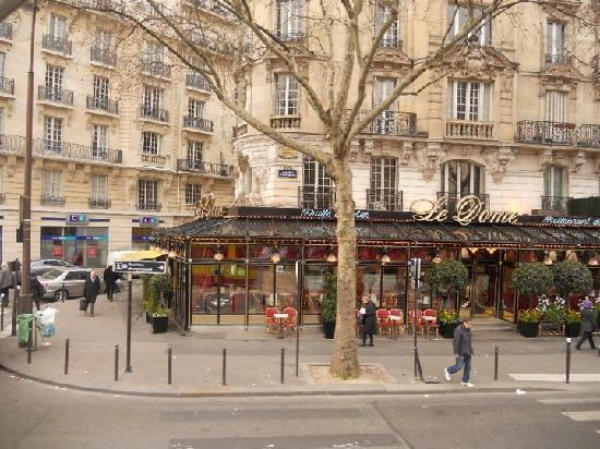 Lenox Montparnasse: cafe on a near corner- wonderful