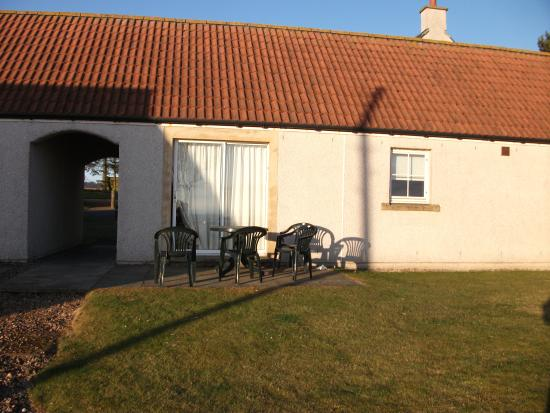 Balmashie Premier Holiday Cottages: The back of cottage 3