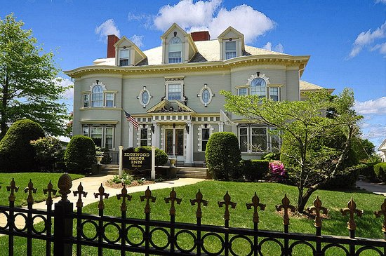 Edgewood Manor Bed and Breakfast