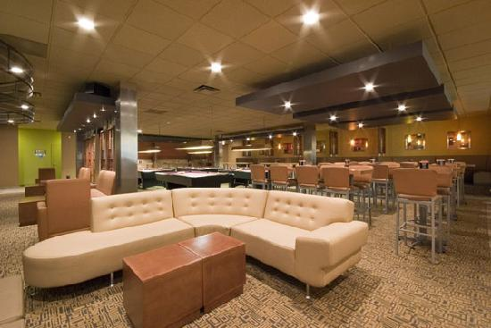 Quality Inn &amp; Suites: Entertain you in a casual environment, which offers a variety of entertainment, beverages, and g