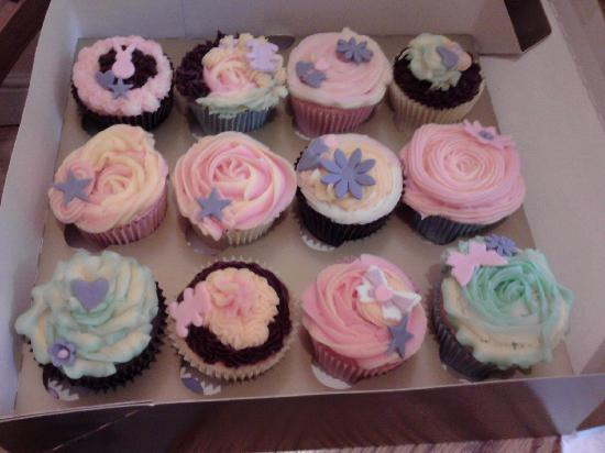 Swindon, UK: my decorated cupcakes at Cupcake Passion's Cupcake Deco Course 3rd April 2011