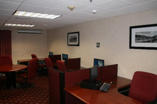Hampton Inn by Hilton Monterrey/Galerias-Obispado: BUSINESS CENTER