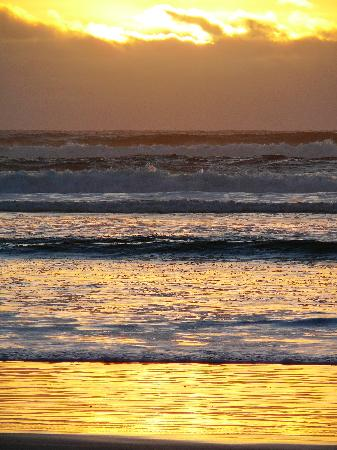 Motel Strahan: Ocean Beach Sunset