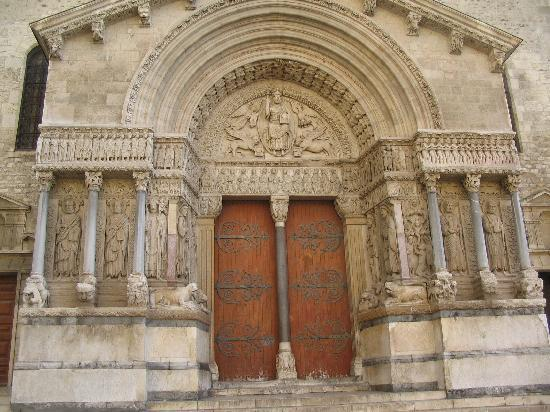 Eglise de Arles