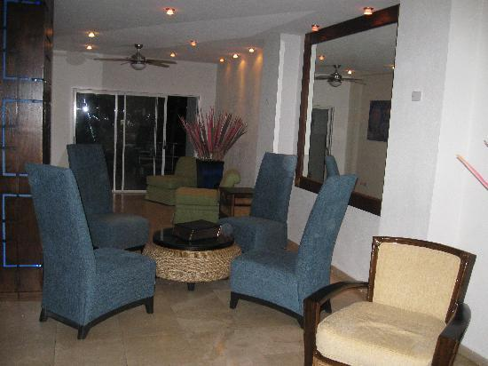 South Beach Hotel: Lobby Area