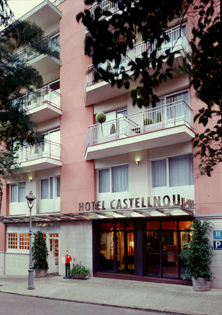 Hotel Catalonia Castellnou
