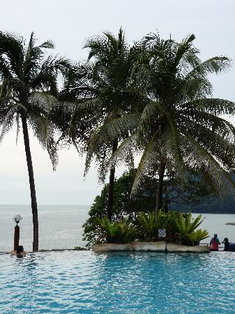 Damai Beach Resort: piscine hilltop