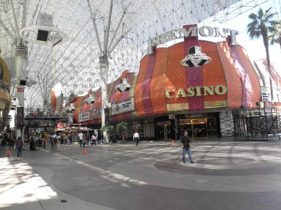 Fremont Hotel and Casino: view of the outside of the hotel