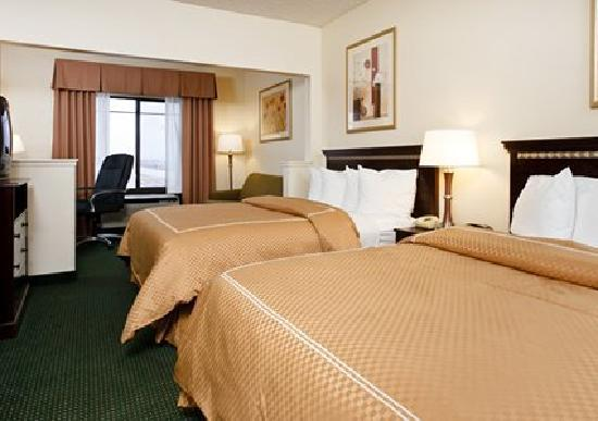 Comfort Suites Denver International Airport: Two Queen Bed Suite