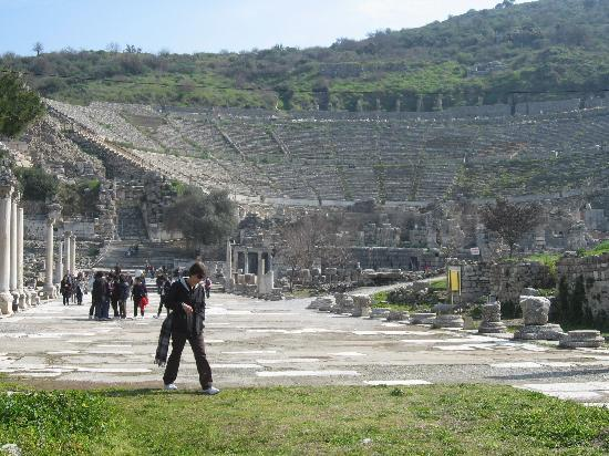 Selcuk, Turkiet: the Theatre from nearby Epesus