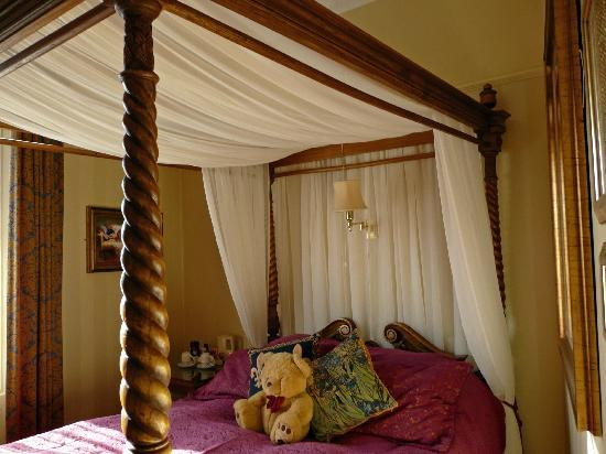 Haven Guest House: Room 3 king size four poster