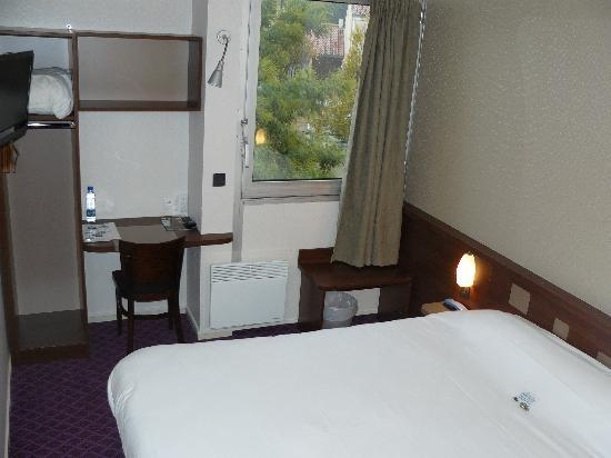 Brit Hotel Esplanade: Chambre