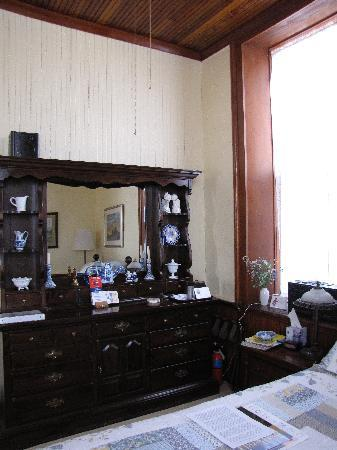Old Schoolhouse Bed and Breakfast: &#39;Rithmatic Room