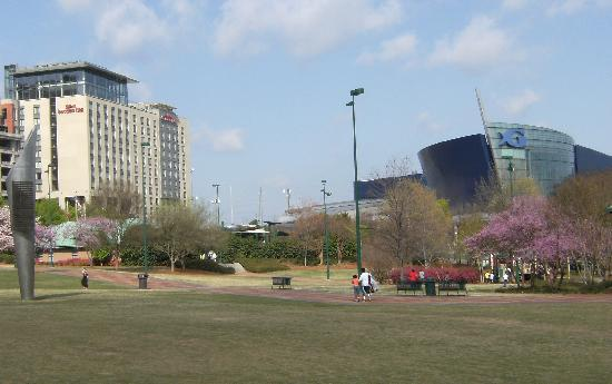 Hotel With Centennial Park And Georgia Aquarium In Foreground Picture Of Hilton Garden Inn