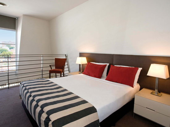 Adina Apartment Hotel Sydney, Central: Medina Executive Sydney Central - Loft Apartment (Bedroom)