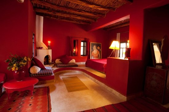Riad Baoussala: La chambre Rouge - Red Room