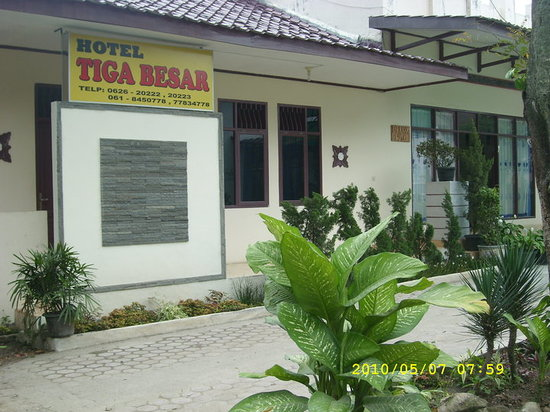 Hotel Tiga Besar