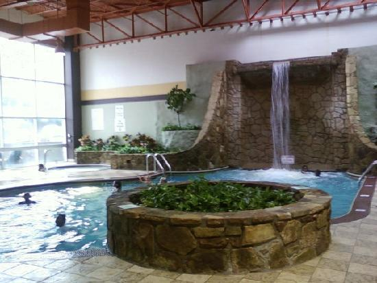 Holiday Inn Pigeon Forge: Pool