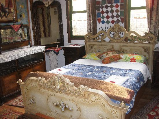 Homeros Pension: romantic bedroom