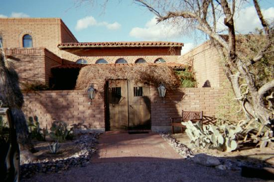 Desert Trails Bed and Breakfast: Heaven in TUCSON!!