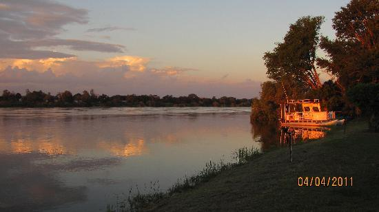 Protea Hotel Zambezi River Lodge: Sunset over the Zambesi