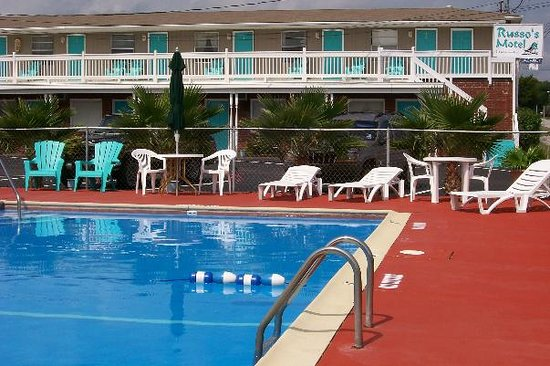 Russo's Motel: Russo Motel's Refreshing Swimming Pool