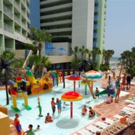 Coral Beach Resort & Suites: Water Park