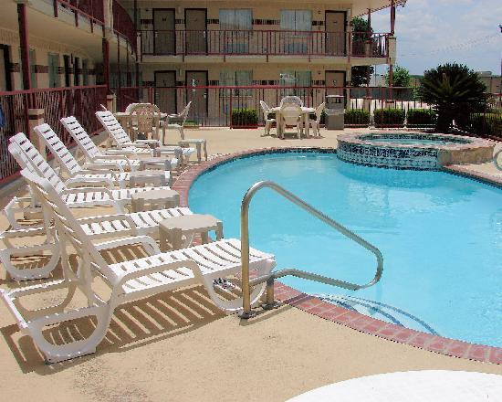 Super 8 - New Braunfels, TX: Pool &amp; Heated Spa