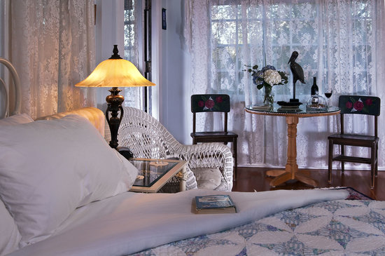 Fulton House Bed &amp; Breakfast: Blue Heron Room