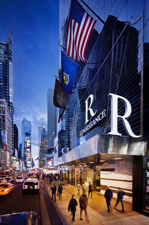 Renaissance New York Hotel Times Square: Discover the center of location and luxury at the Renaissance New York Times Square Hotel and re