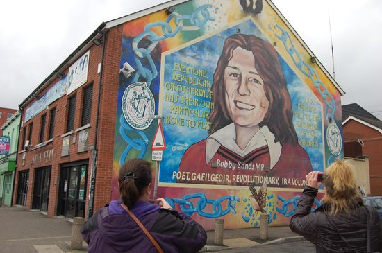 Bobby sands mural photo de belfast attractions tours for Bobby sands mural