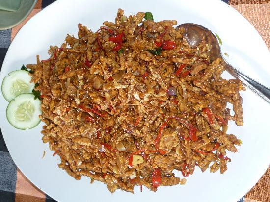 http://media-cdn.tripadvisor.com/media/photo-s/01/d2/12/ab/mmm-tempe-me-goreng.jpg
