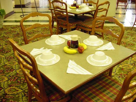 Comfort Inn Newnan: Let's eat !
