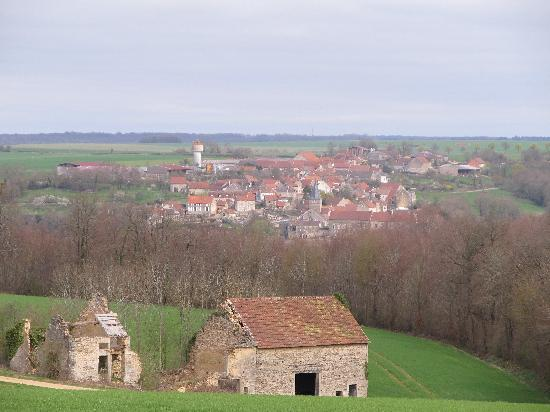 Bourgogne, Frankrike: Village near Flavigny