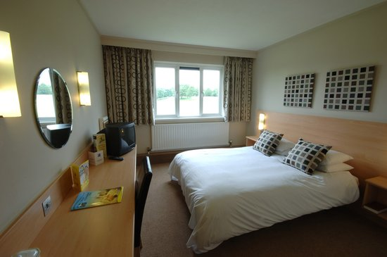 Days Inn Milton Keynes East - M1: Double Room