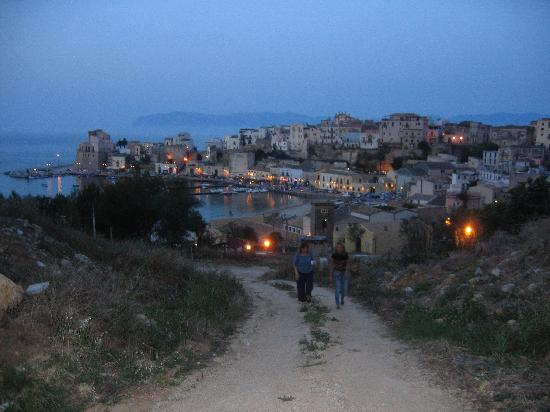 Castellammare del Golfo, Italy: walk into town in evening