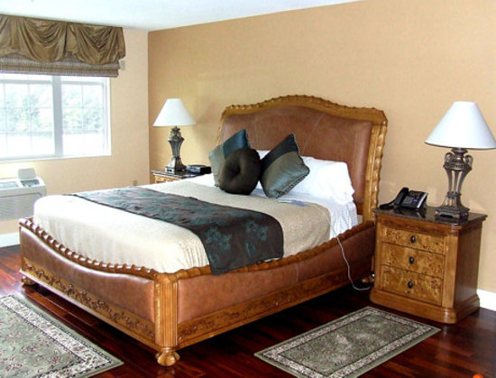  , : King sized Sleep Number beds in every room