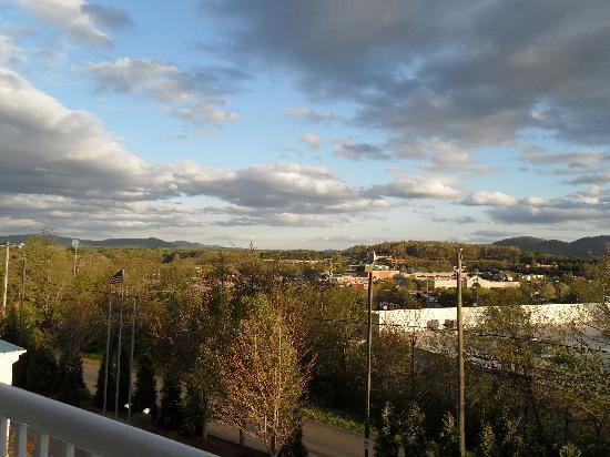 Holiday Inn Express Asheville - Biltmore Square Mall: View from our balcony